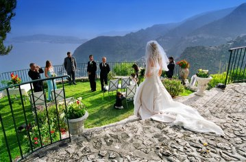 Destination Wedding In Europe The South Of France Is Known For Its Natural Beauty